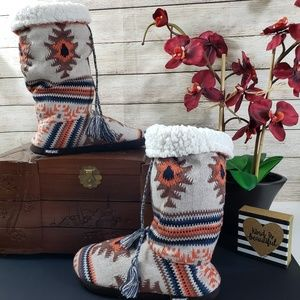 MUKLUKS Knit Uppers with Tassels Boot Slippers